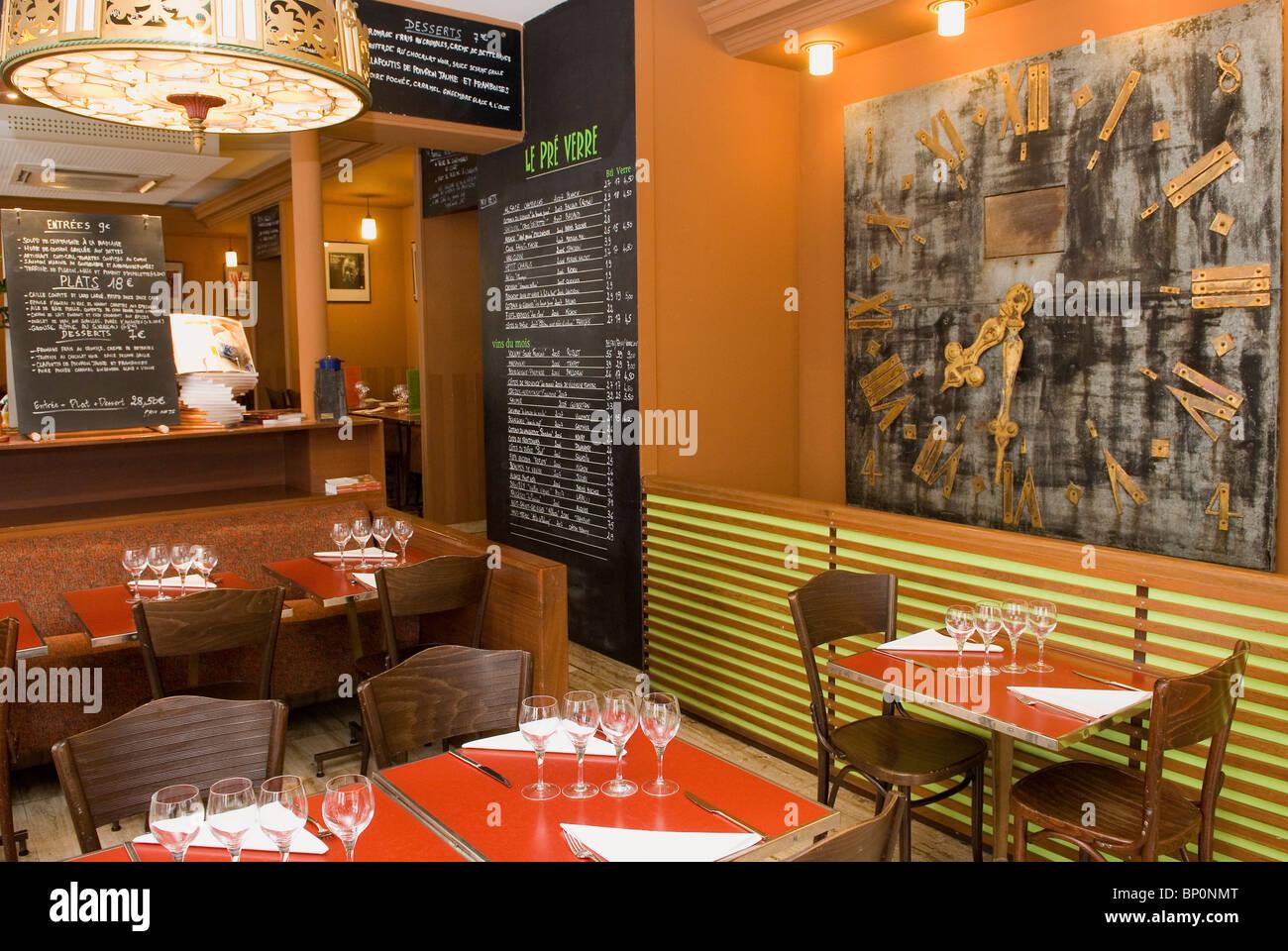 France, Paris, 5th arrondissement, 'Le pré verre' restaurant in Thenard street - Stock Image