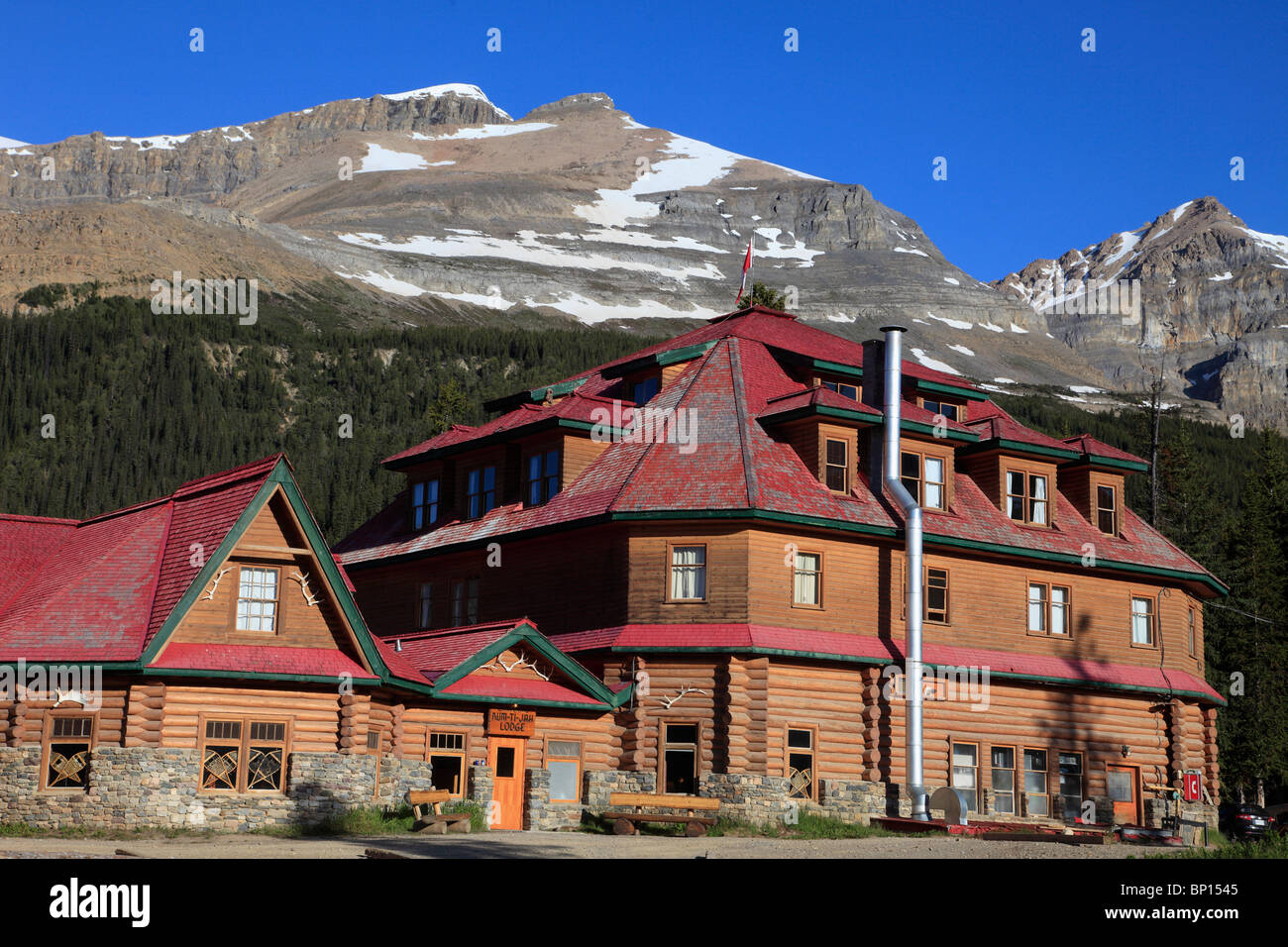 Canada, Alberta, Banff National Park, Num-Ti-Jah Lodge, Mount Jimmy Simpson - Stock Image