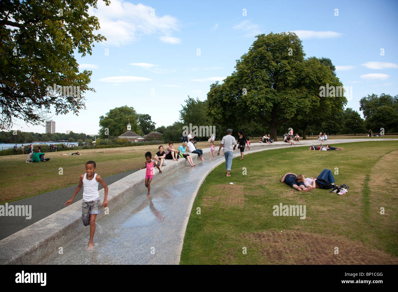 diana princess of wales memorial fountain kensington gardens stock photo alamy https www alamy com stock photo diana princess of wales memorial fountain kensington gardens london 30764624 html
