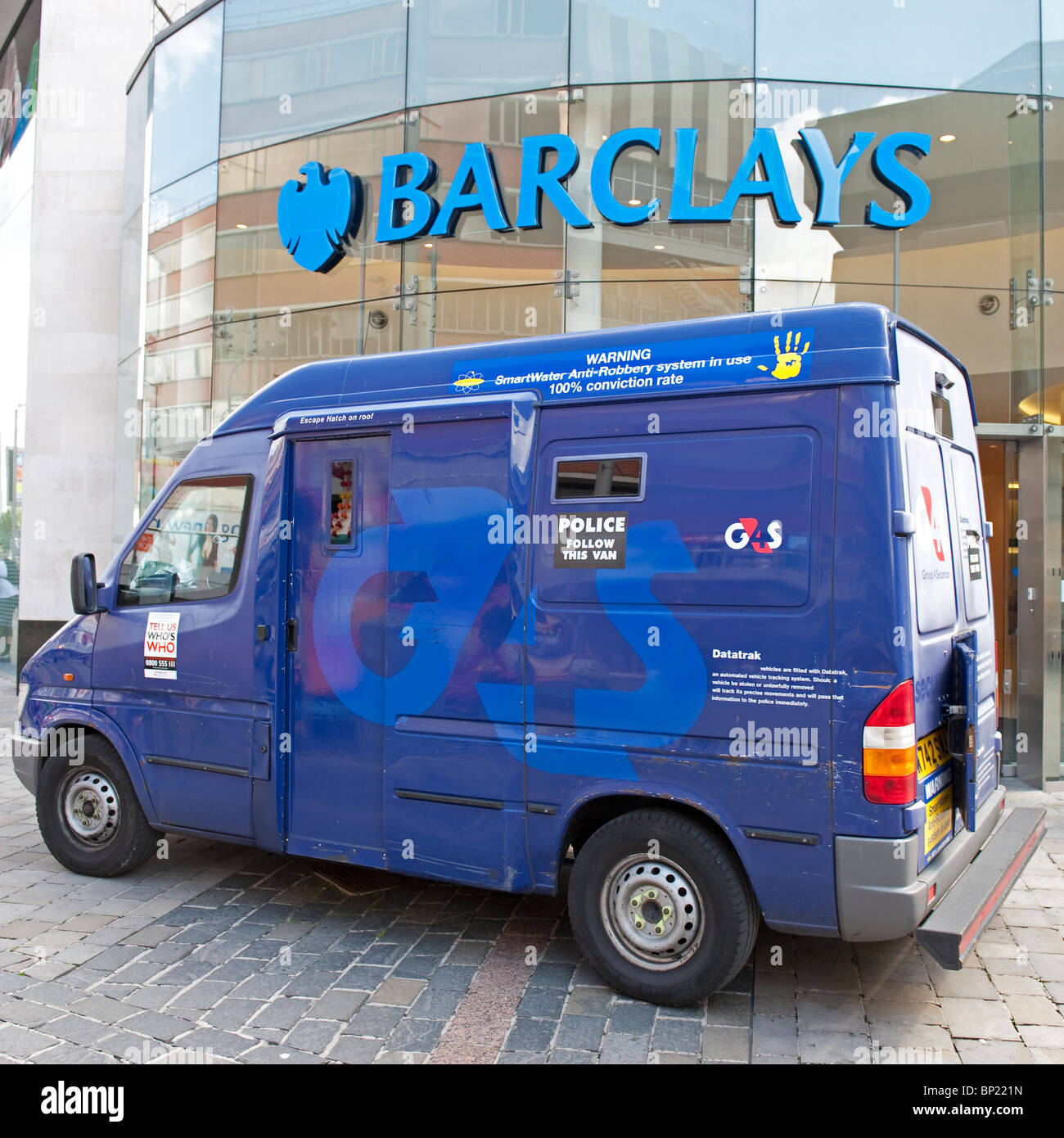 254b6e145948ef A security van parked outside a Barclays Bank in Leicester City. - Stock  Image