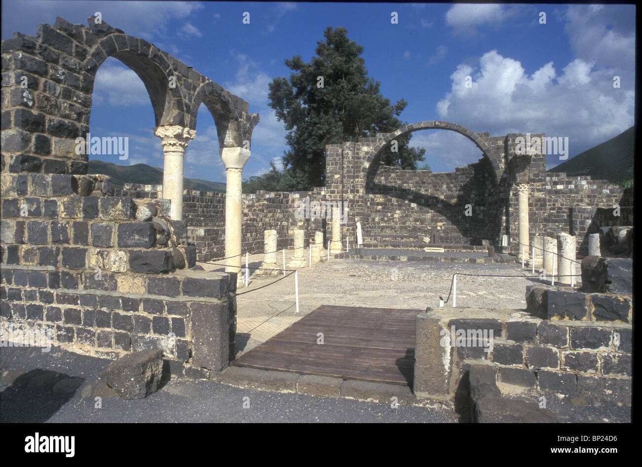 KURSI (GERASA) - CHURCH & MONASTERY BUILT IN THE 5TH. C. ON THE EASTERN SHORE OF THE SEA OF GALILEE WHERE THE - Stock Image