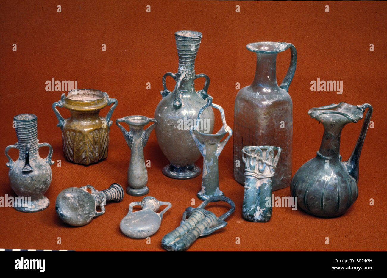 563. ROMAN GLASS VESSELS USED FOR FINE OILS, PERFUMES AND COSMETICS - Stock Image