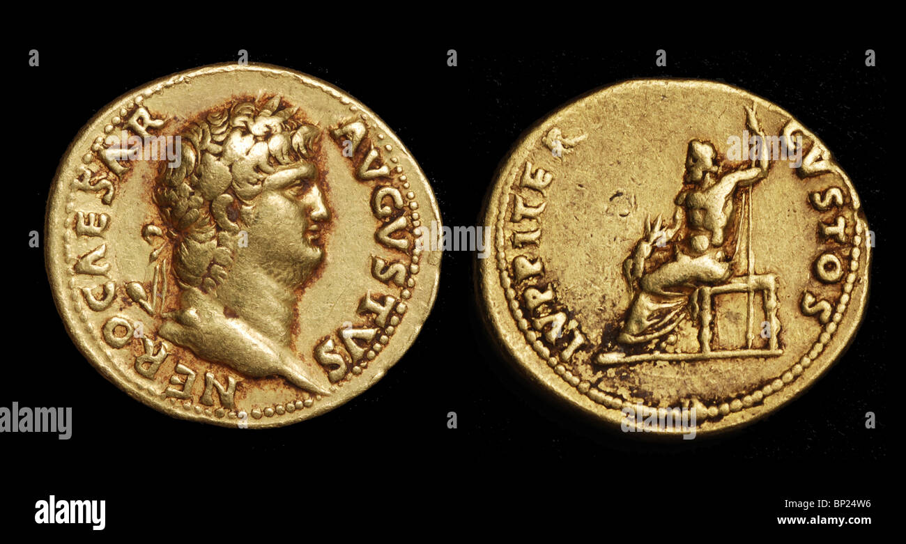 ROMAN  GOLD COIN WITH THE PORTRAIT OF NERO (54 - 68 AD) - Stock Image