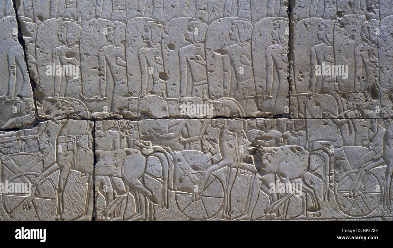1532. RELIEF FROM RAMSES II. TEMPLE IN ABIDOS, DEPICTING THE PHARO'S ARMY IN BATTLE WITH THE HITTITE (13TH. - Stock Image