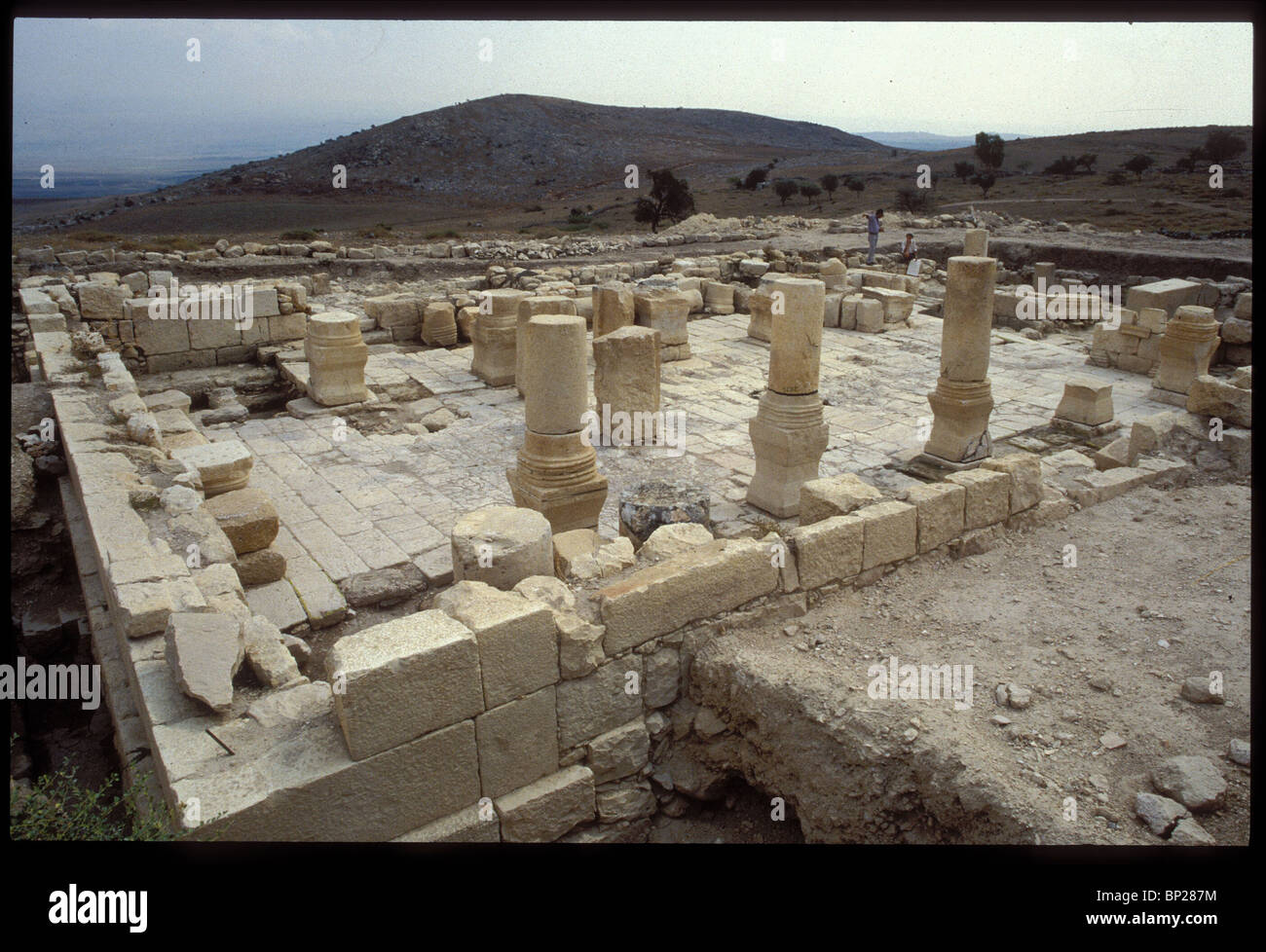 1917. MEROTH, REMAINS OF THE 5TH. C. SYNAGOGUE IN UPPER GALILEE - Stock Image