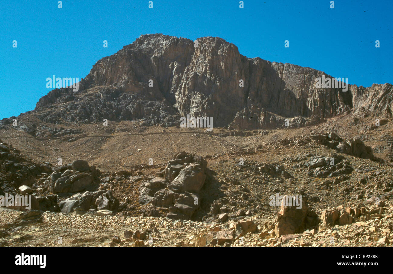 1947  MT  SINAI (MT  MOSES), IN CENTRAL SINAI