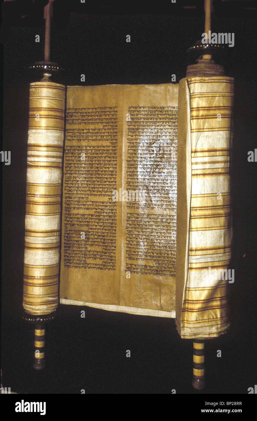 2327. TORAH SCROLL FROM WHICH THE DAILY CHAPTER IS READ IN THE SYNAGOGUE - Stock Image
