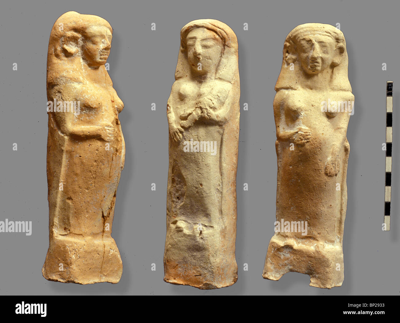 TERRACOTTA FIGURINES OF PREGNANT FEMALE FIGURES PROBABLY FERTILITY GODDESSES USED TO PROTECT THE PREGNANT WOMAN - Stock Image