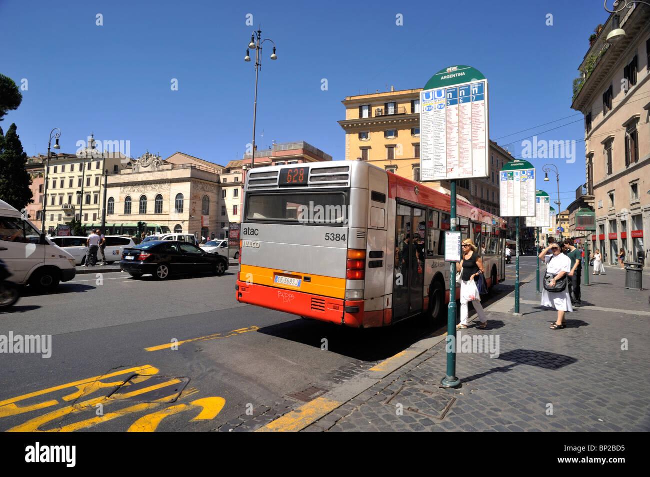 italy, rome, bus stop Stock Photo - Alamy