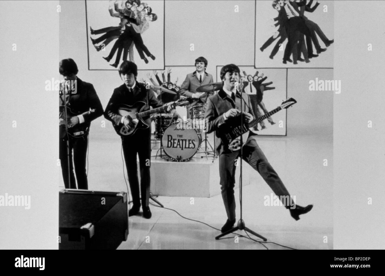 RINGO STARR GEORGE HARRISON JOHN LENNON PAUL MCCARTNEY A HARD DAY'S NIGHT BEATLES (1964) - Stock Image