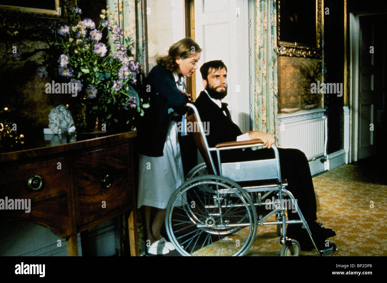 RUTH MCCABE, DANIEL DAY-LEWIS, MY LEFT FOOT, 1989 - Stock Image