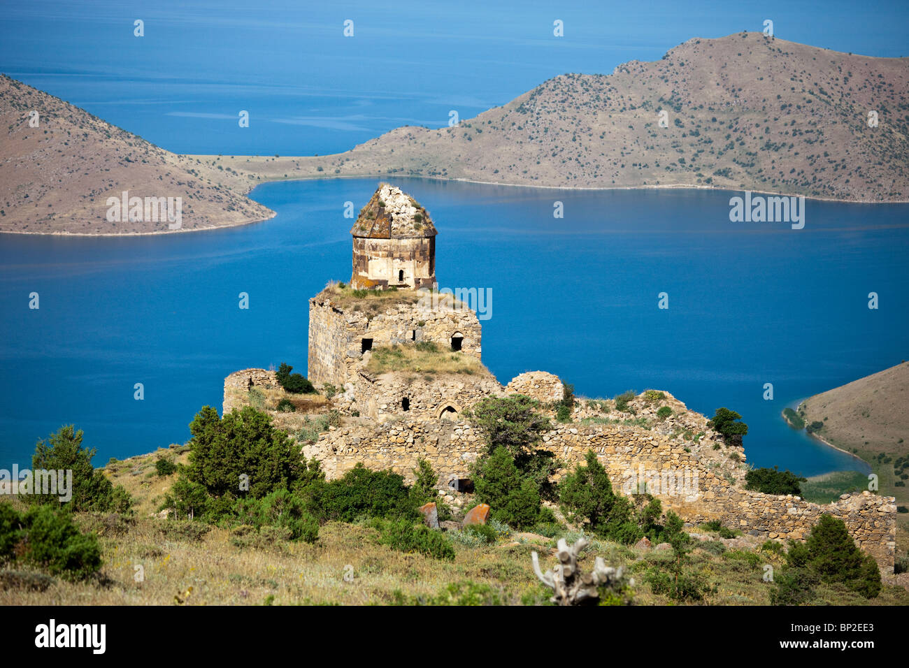 ed20413664 Ruins of Altinsac Armenian Church on Lake Van Turkey Stock Photo ...
