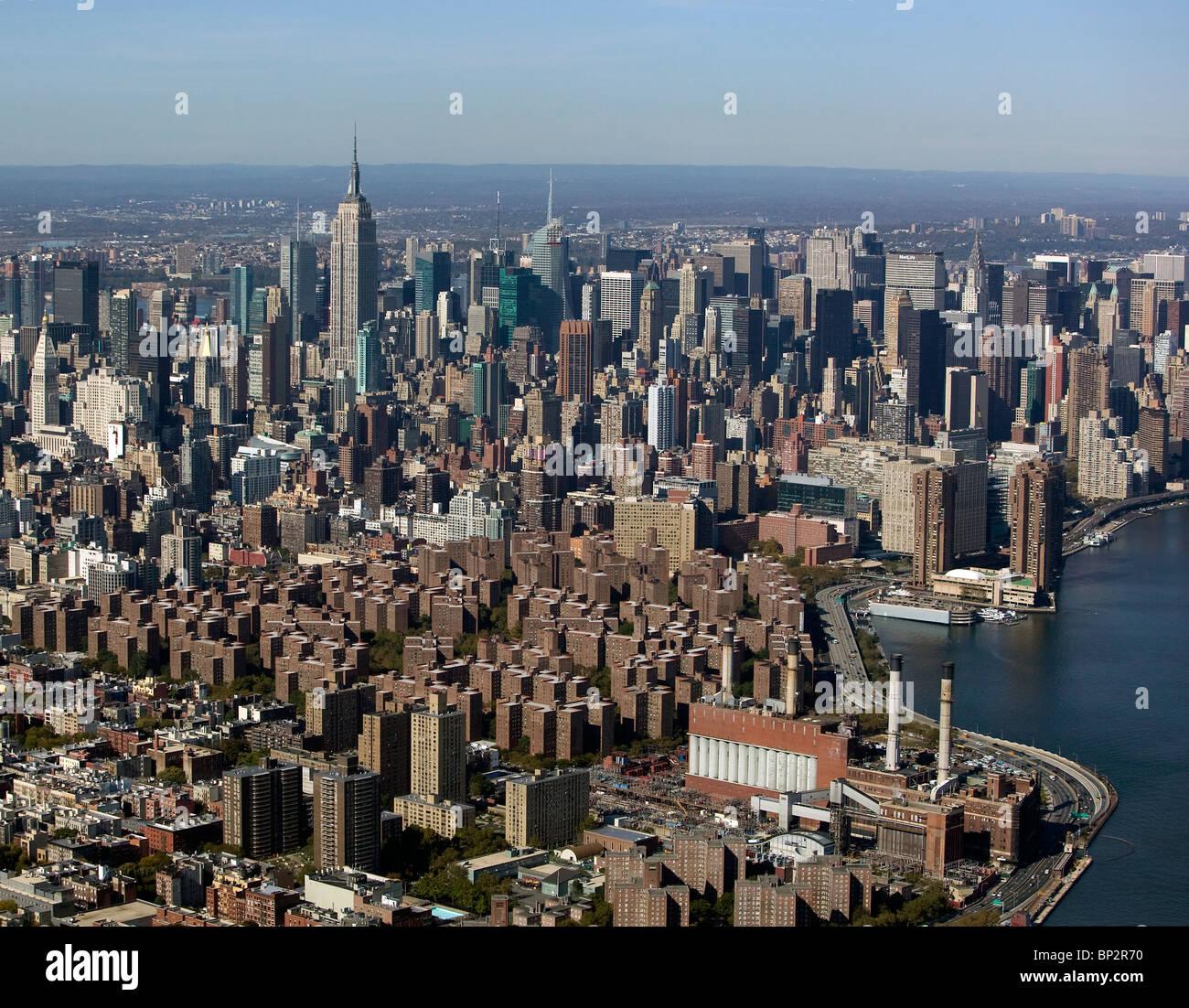 Ny Manhattan: Aerial View Above Skyline Stuyvesant Town Midtown