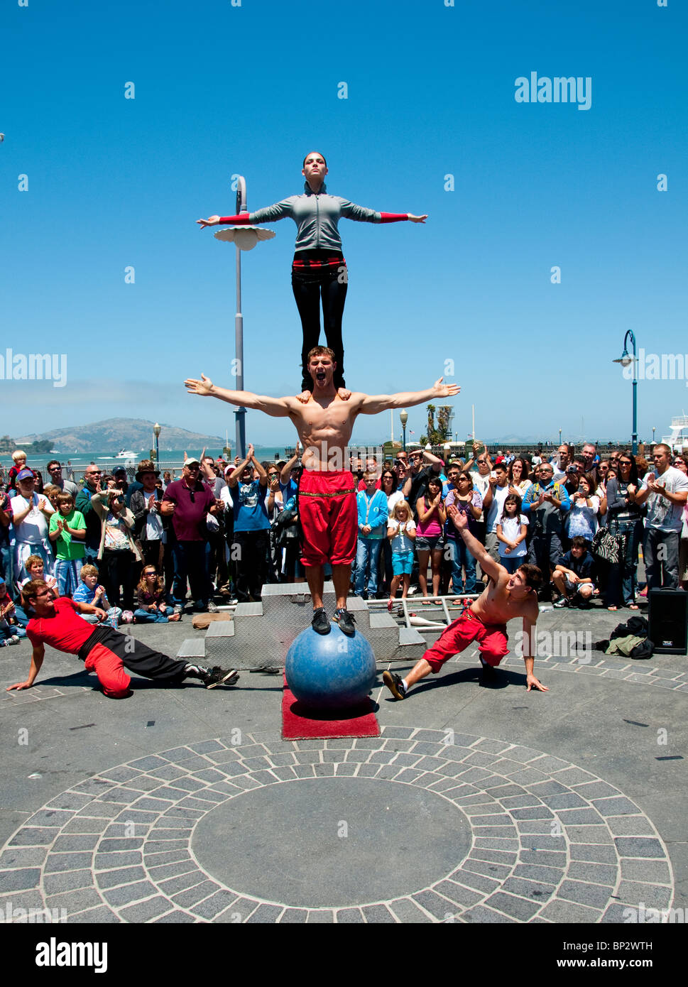 San Francisco: Street entertainers at Fisherman's Wharf. Photo copyright Lee Foster. Photo # casanf104164 - Stock Image