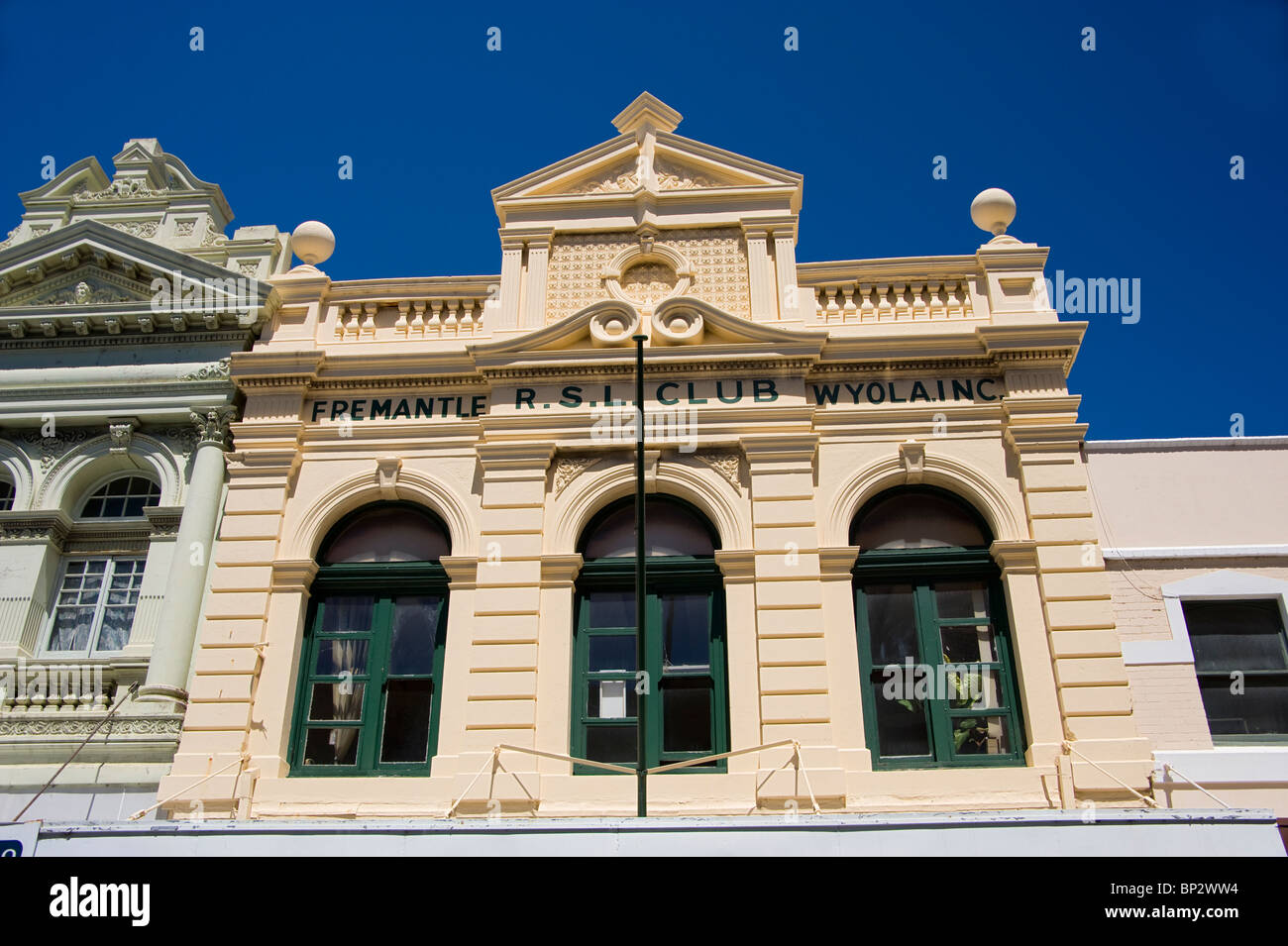 One of the old buildings in Fremantle, Australia.  The Returned and Services League Club building, Fremantle. - Stock Image