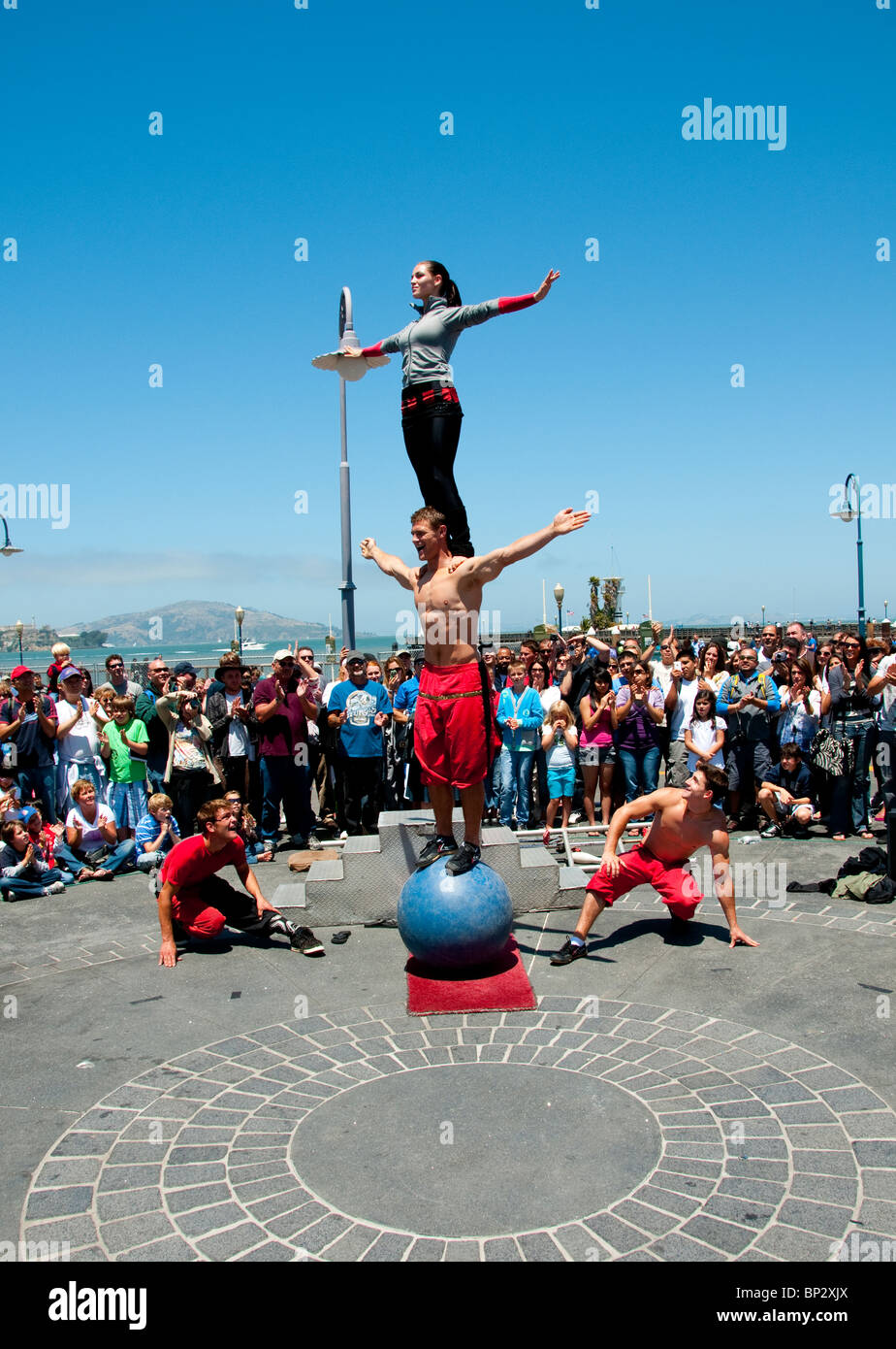 San Francisco: Street entertainers at Fisherman's Wharf. Photo copyright Lee Foster. Photo # casanf104165 - Stock Image