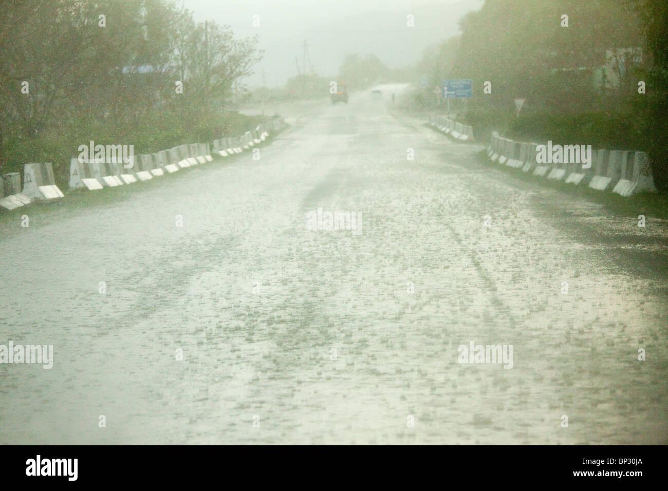 Heavy rain near Ananuri in the Great Caucasus, Georgia. - Stock Image