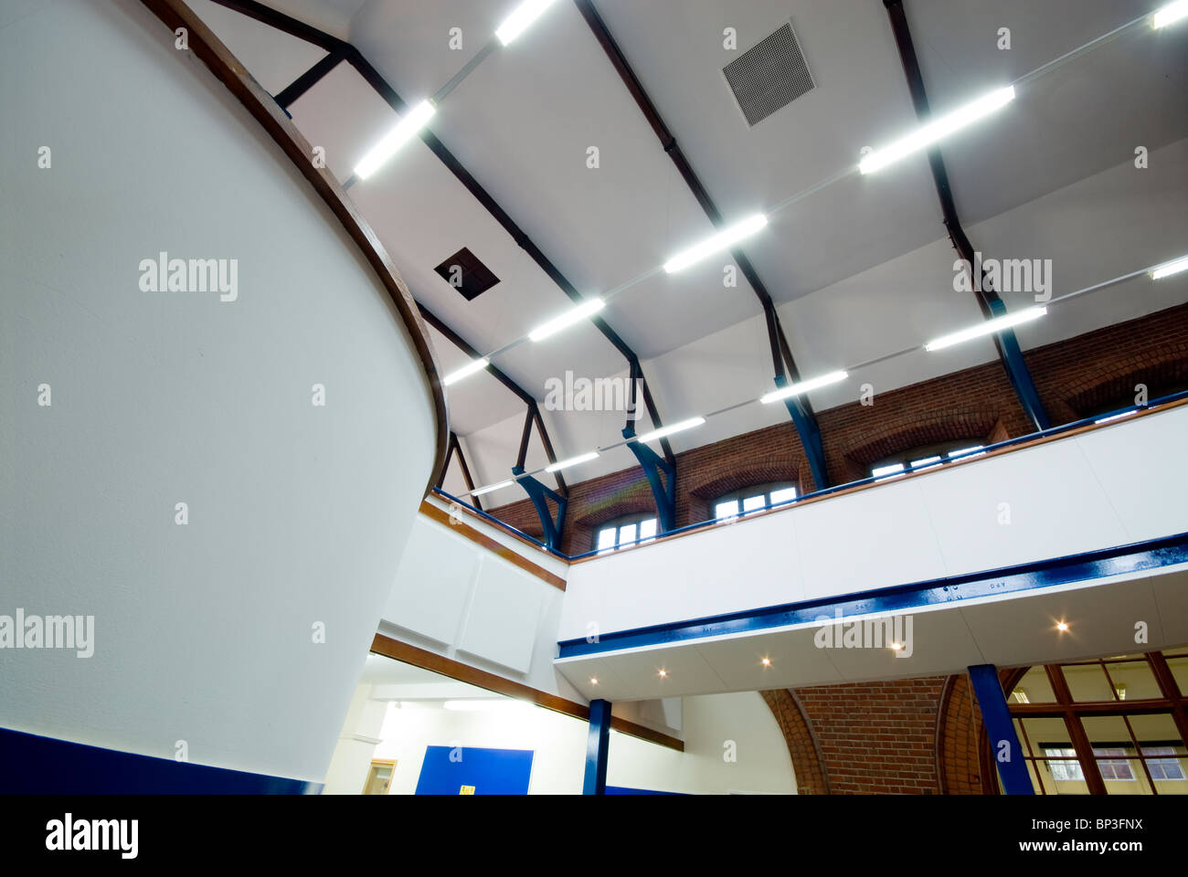 Peter Symonds College library beamed roof interior - Stock Image