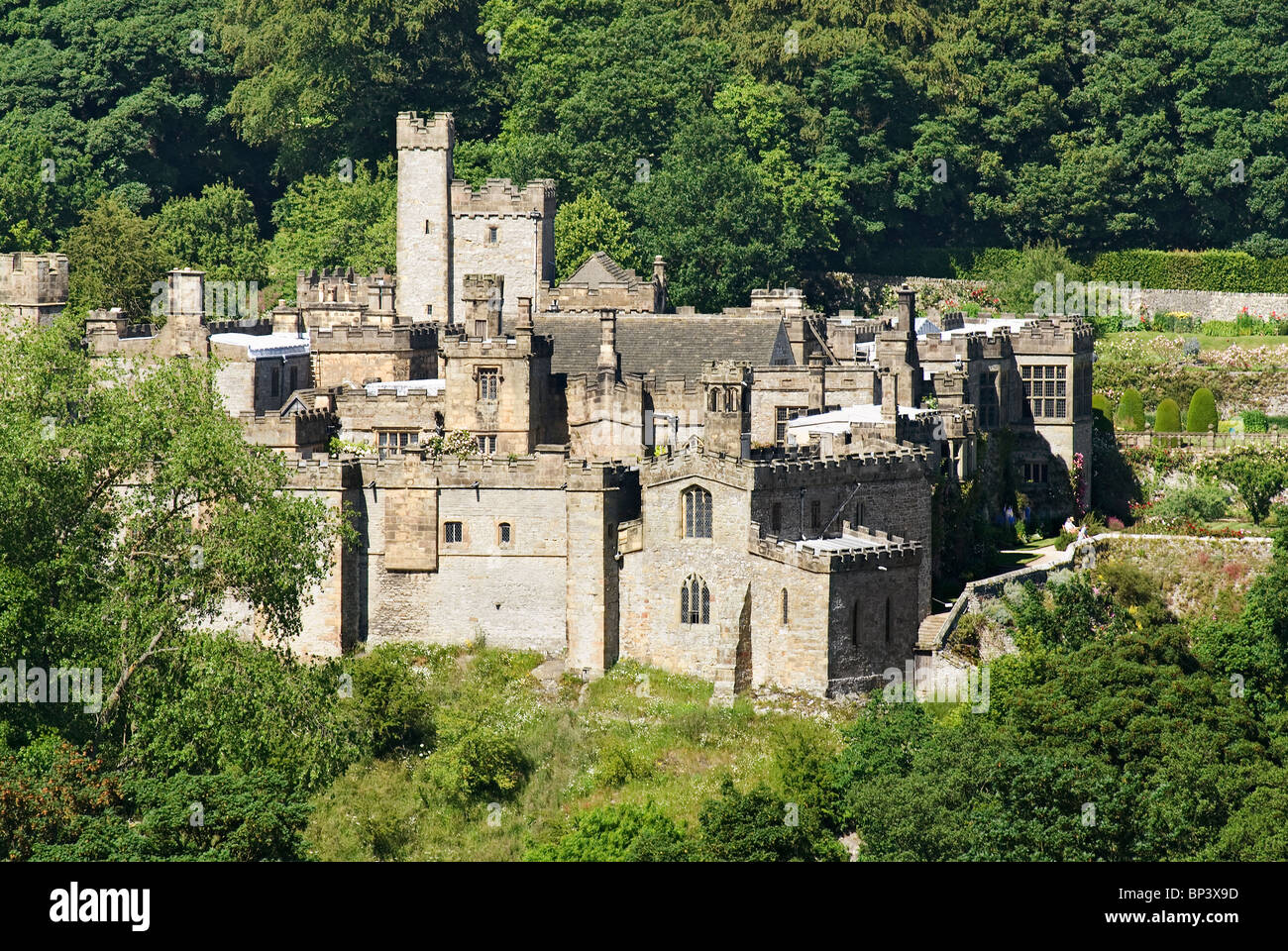 Haddon Hall near Bakewell, Middle England - Stock Image
