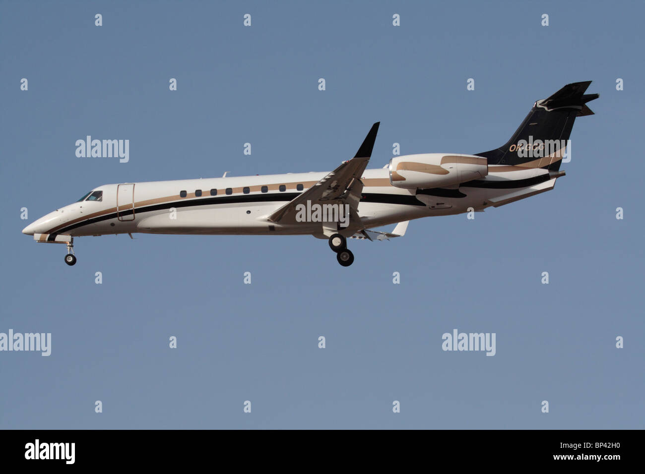 Embraer Legacy 600 private jet on approach. Side view. - Stock Image