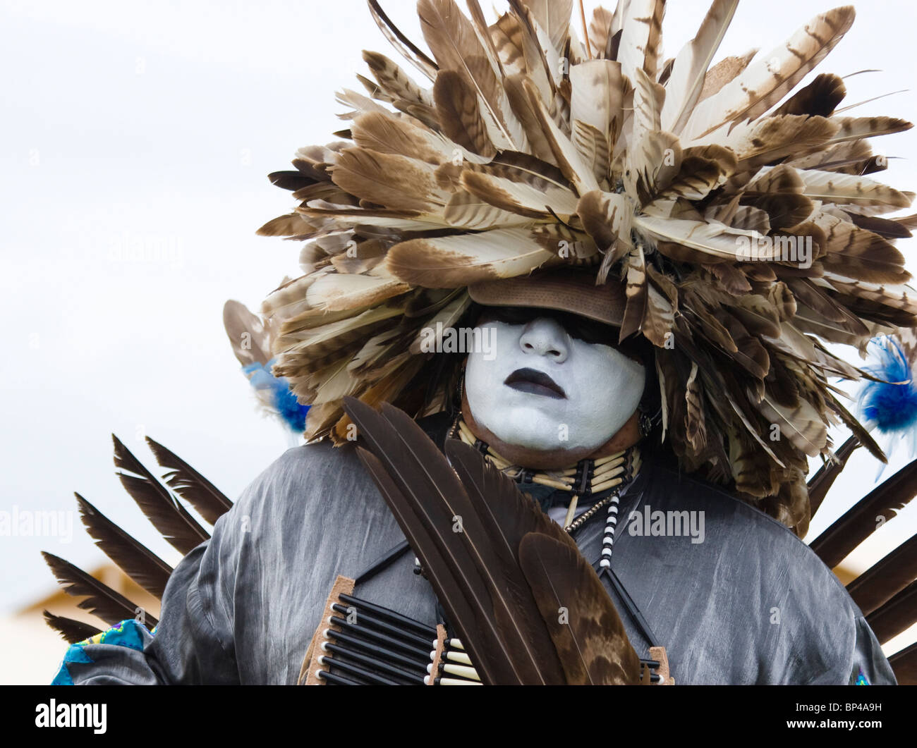 Charles Hankinson (Eagle Tail), a Native American from the Micmac tribe of Canada, dances in full traditional regalia. - Stock Image