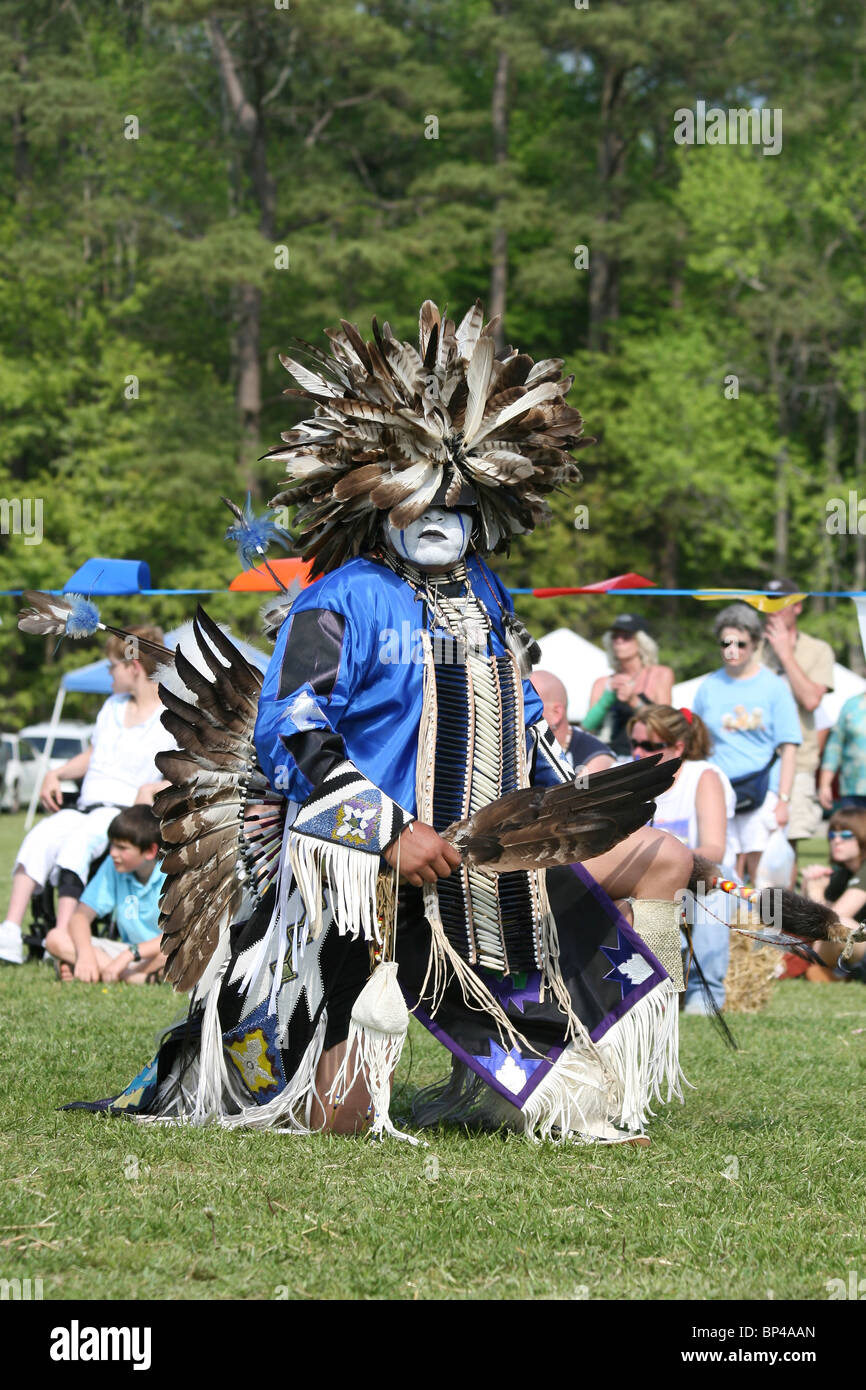 Charles Hankinson (Eagle Tail), from the MicMac Tribe of Canada, dances at the 8th Annual Red Wing Native American - Stock Image