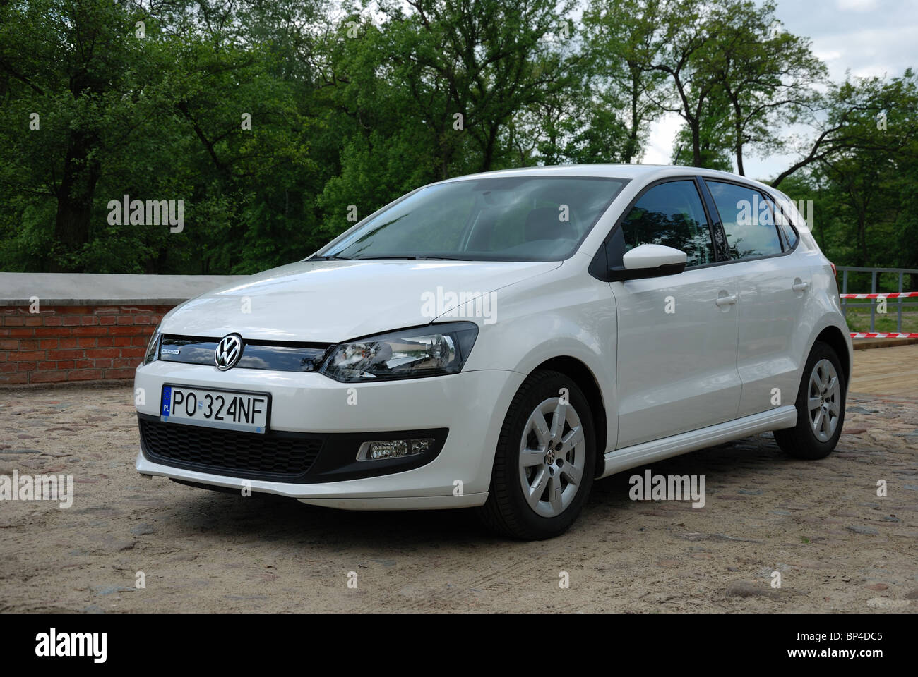 volkswagen polo 1 2 tdi bluemotion my 2010 white. Black Bedroom Furniture Sets. Home Design Ideas