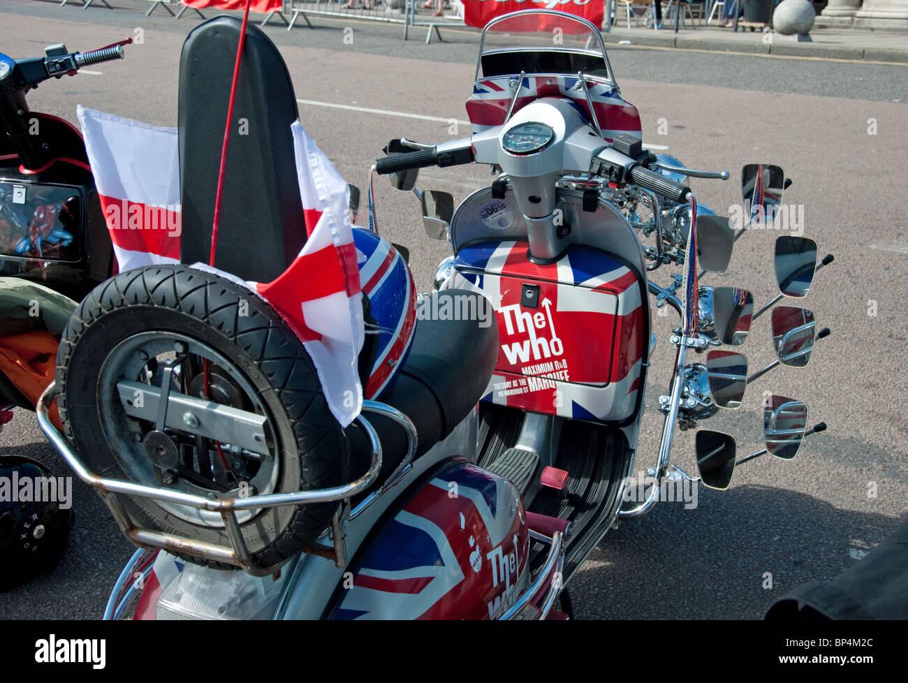 Patriotic Vespa Gs Scooter Parked In A Brighton Car Park
