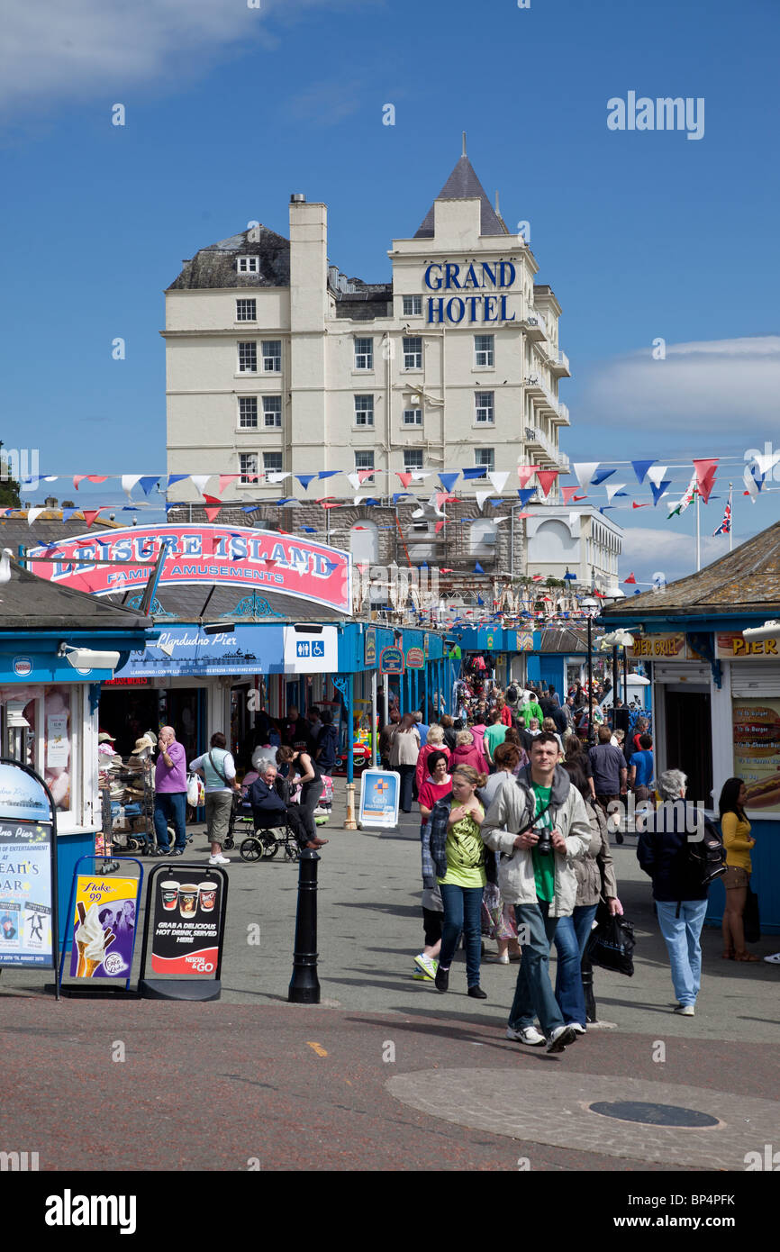 Llandudno, the pier and the Grand Hotel - Stock Image