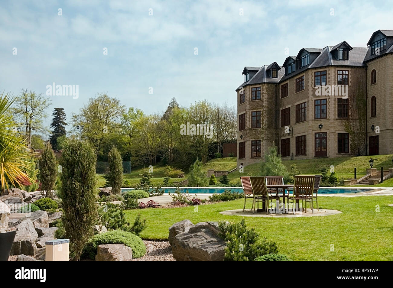 dd977426565260 Garden view of Pennyhill Park Luxury Hotel   Spa