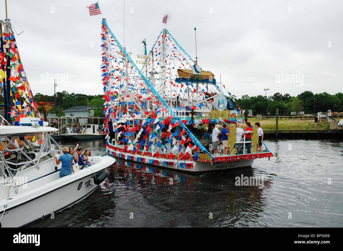 Bayou La Batre Stock Photos Images Alamy Annual Blessing Of The Fleet At Alabama Forrest Gump Fame