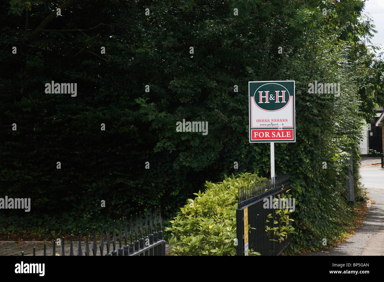 Estate Agent for sale Sign - Stock Image