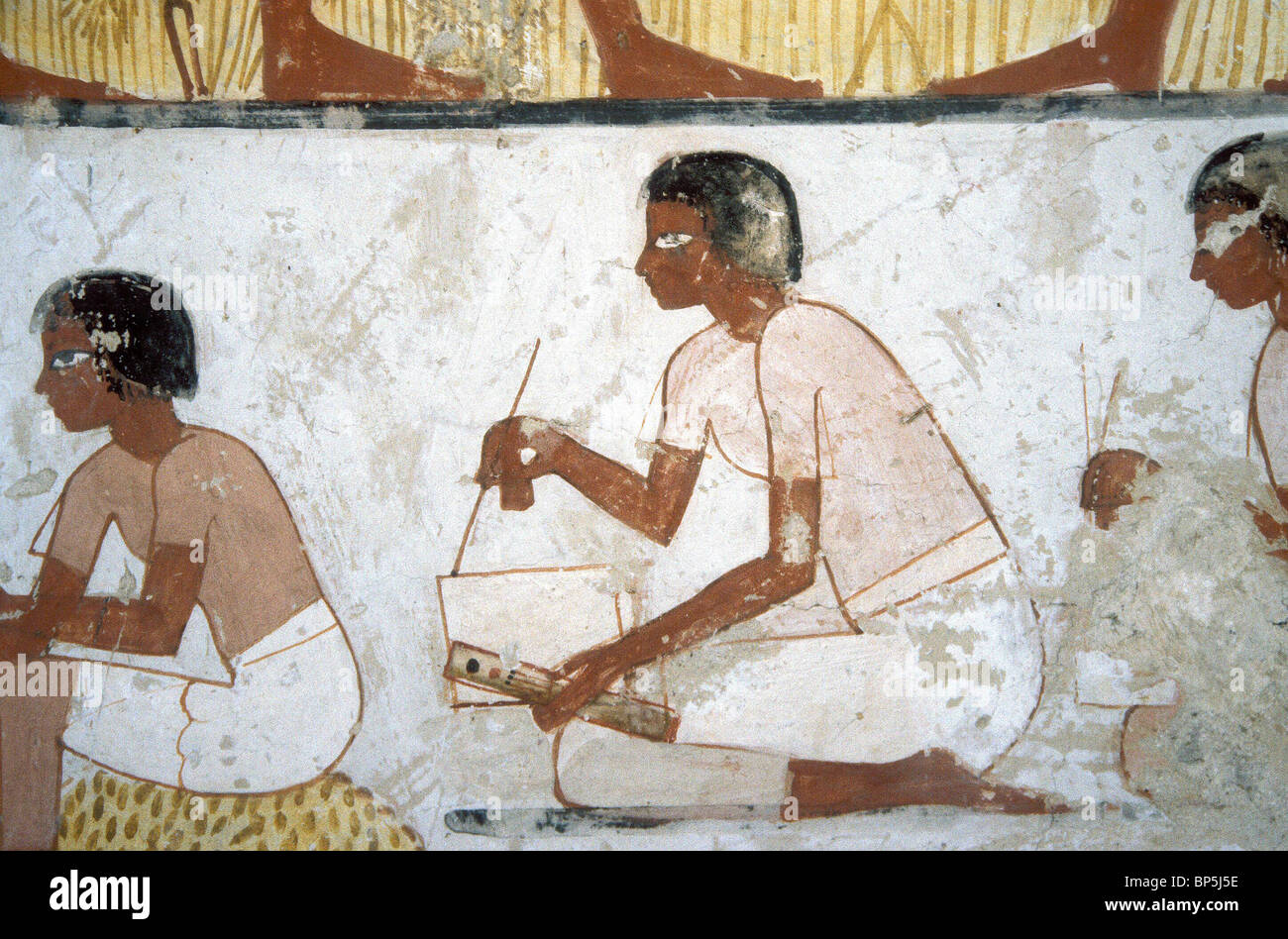 3584. A SCRIBE REGISTERING QUANTITIES OF HARVESTED WHEAT, POSSIBLY FOR TAXING PURPOSES, THEBES, TOMB OF MENNA, 1420 - Stock Image