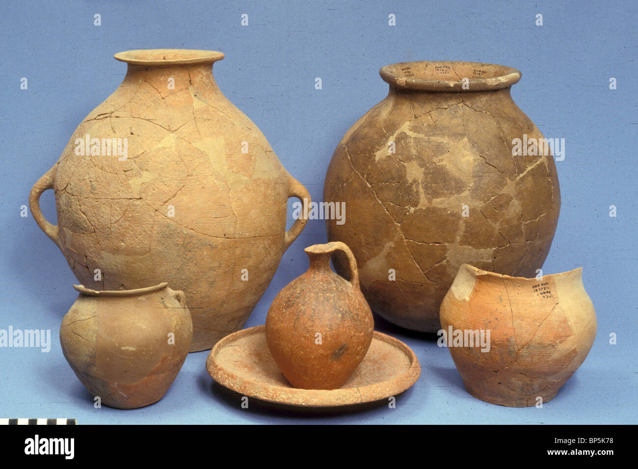 4715. EARLY BRONZE, C. 18TH. C. BC POTTERY EXCAVATED IN TEL DAN, LAISH - Stock Image