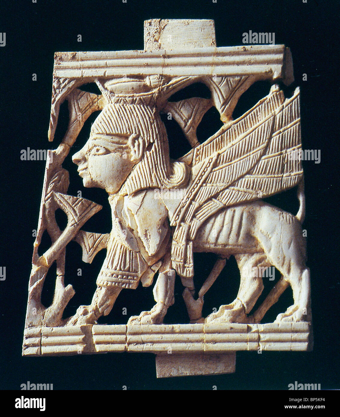 IVORY FROM SAMARIA DATING FROM 9-8TH. C. BC. THE OBJECT WAS FOUND IN KING AHAB'S 'IVORY PALACE' (I KINGS - Stock Image