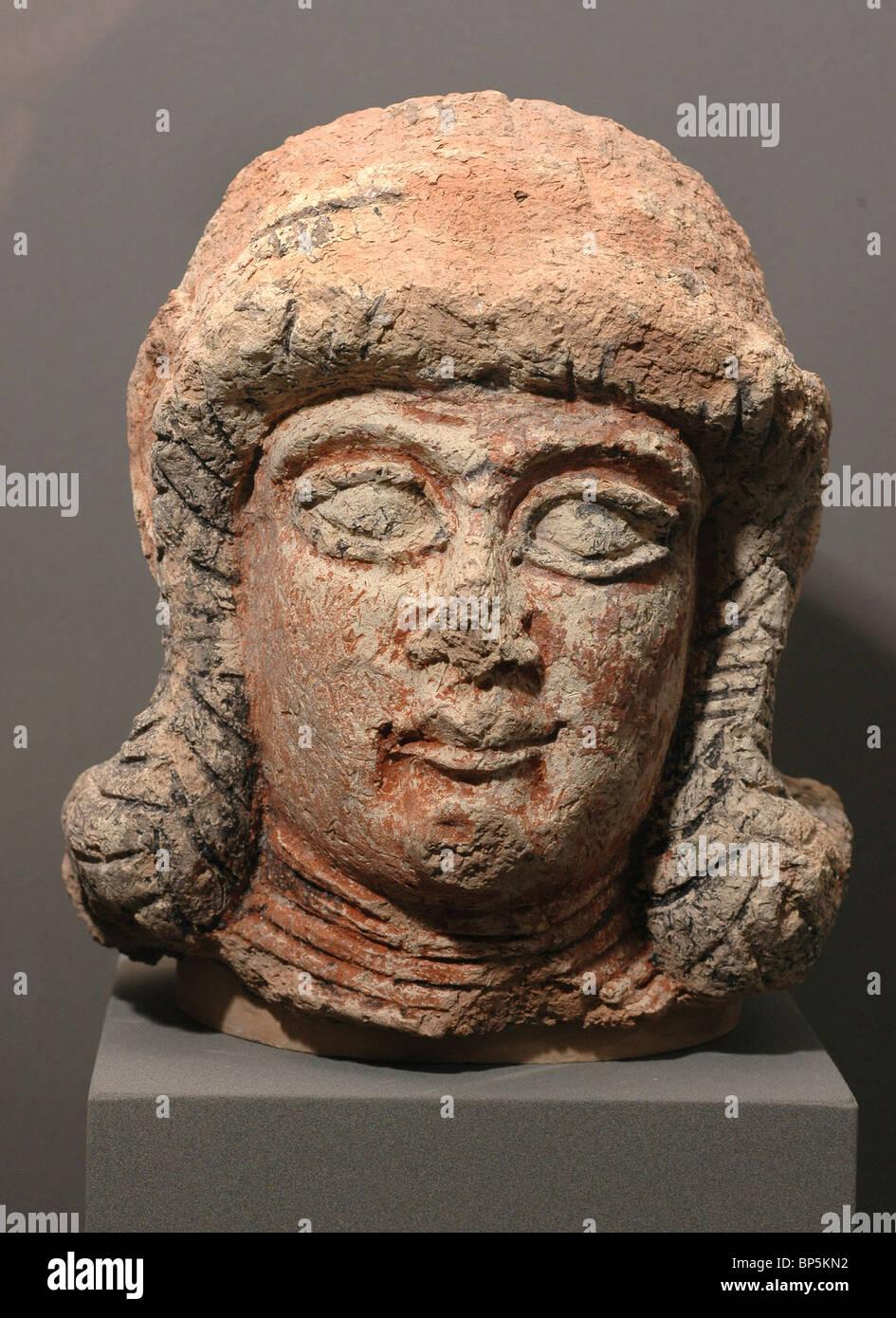 5333. Female head, Mesopotamia, c. 8-7th. C. BC - Stock Image