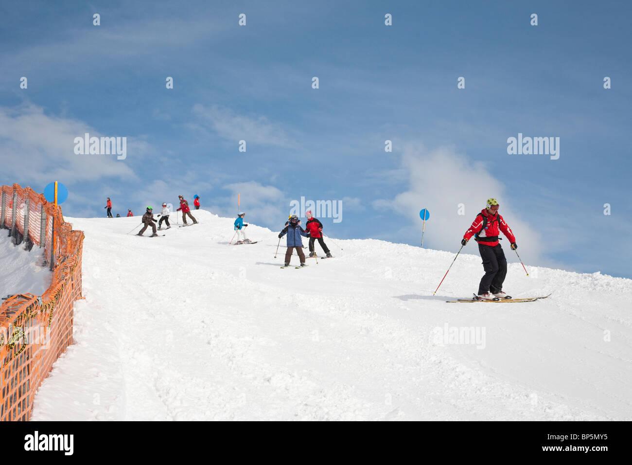 SKI SCHOOL FOR CHILDREN, GROUP OF SKIERS, SKIING REGION AT FELLHORN MOUNTAIN, NEAR OBERSTDORF,  ALLGAEU REGION, - Stock Image