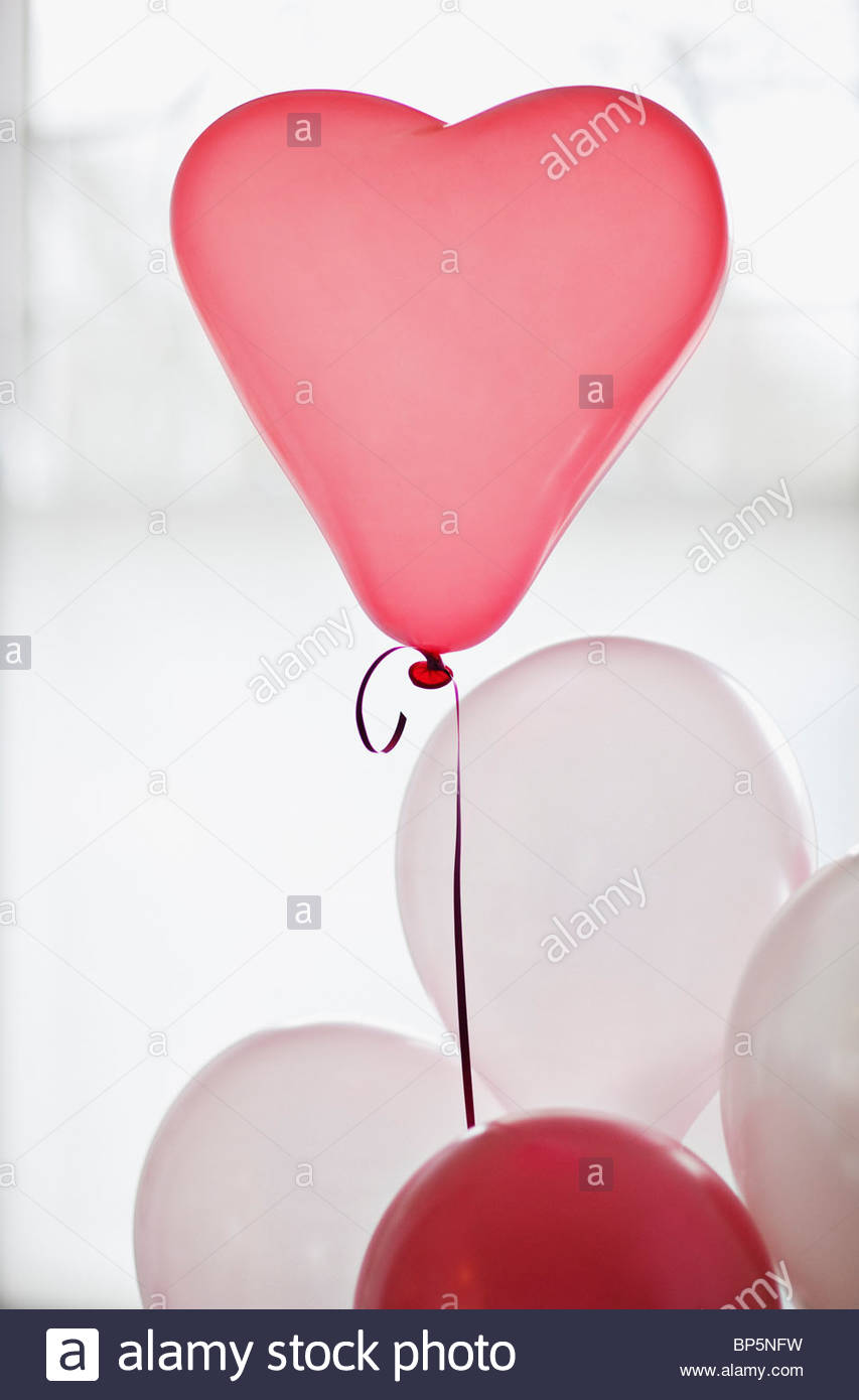 Heart-shape balloon - Stock Image