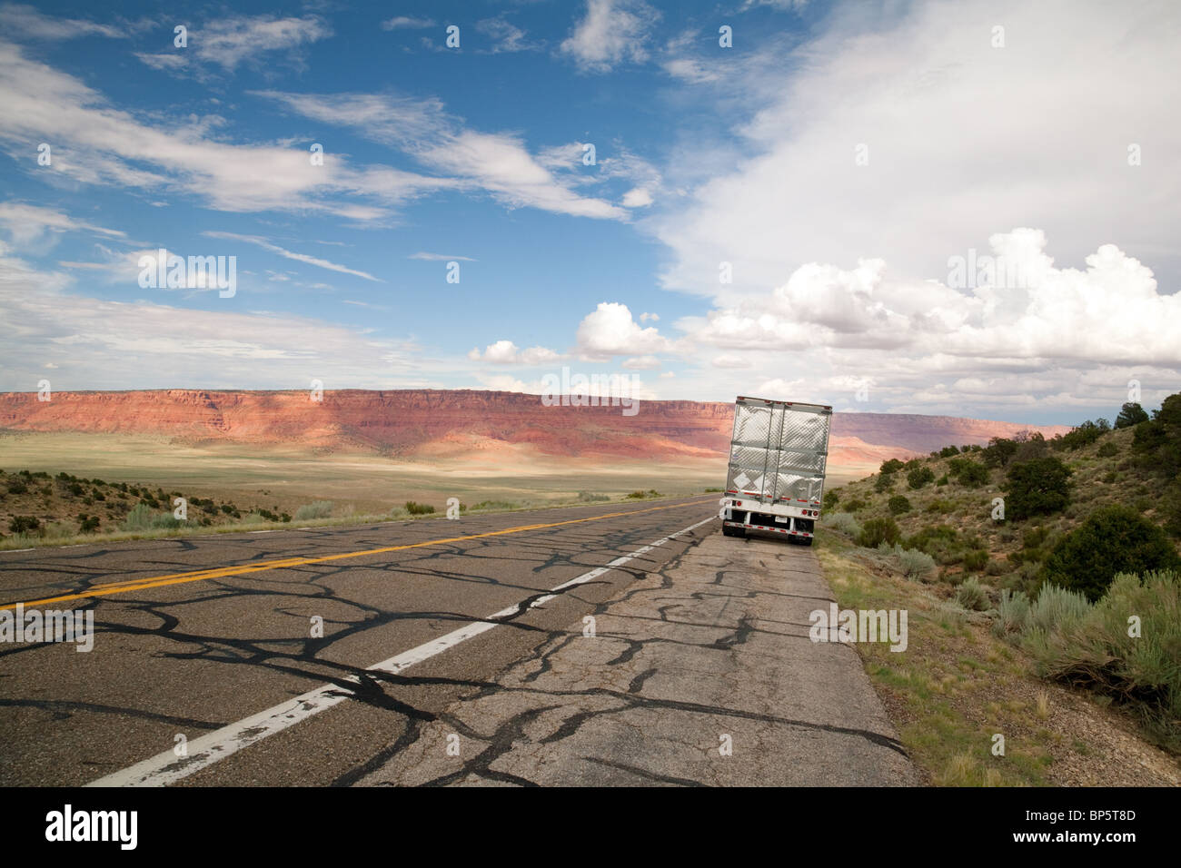 A lorry parked on the side of Highway 89, The Vermilion Cliffs, Arizona, USA - Stock Image