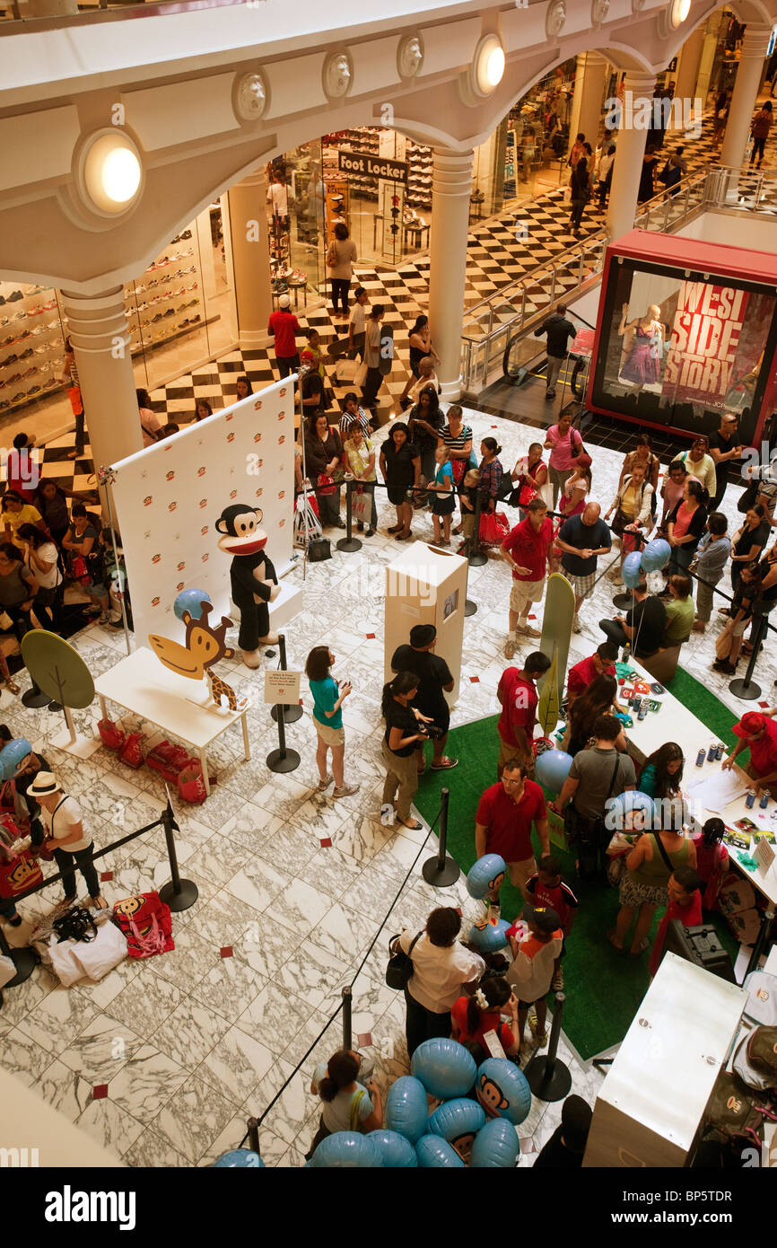 Jcpenney Store In Manhattan Mall Stock Photos & Jcpenney Store In ...