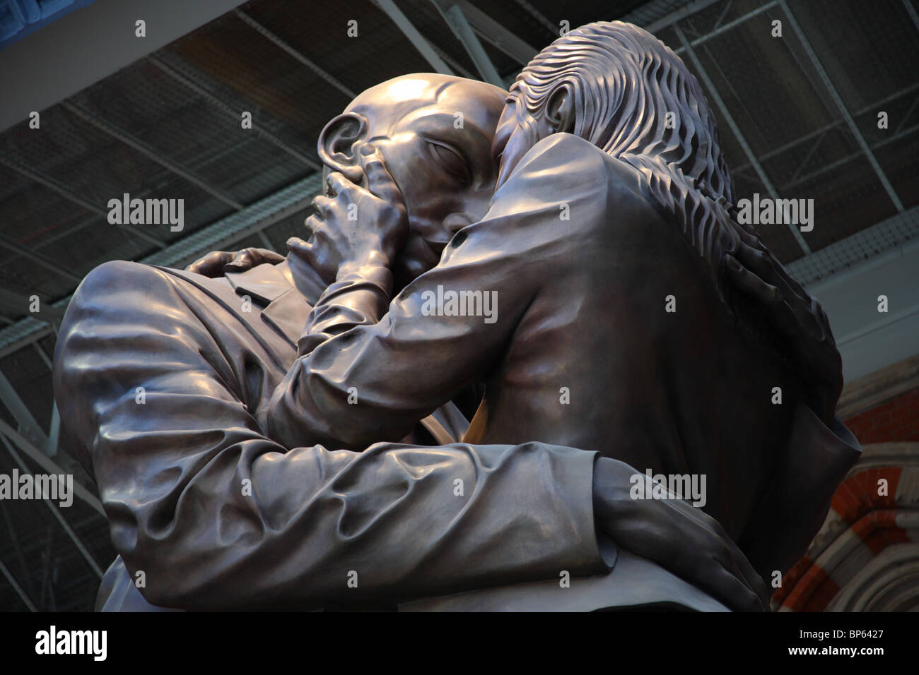 The Meeting Place sculpture, St Pancras Station, Camden, London, NW1. - Stock Image