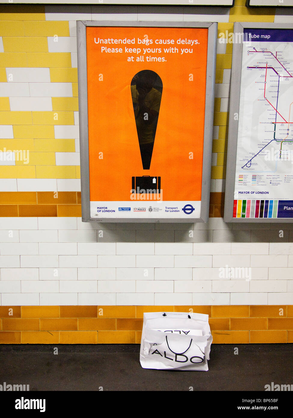 Unattended Bag Sign, London Underground - Stock Image