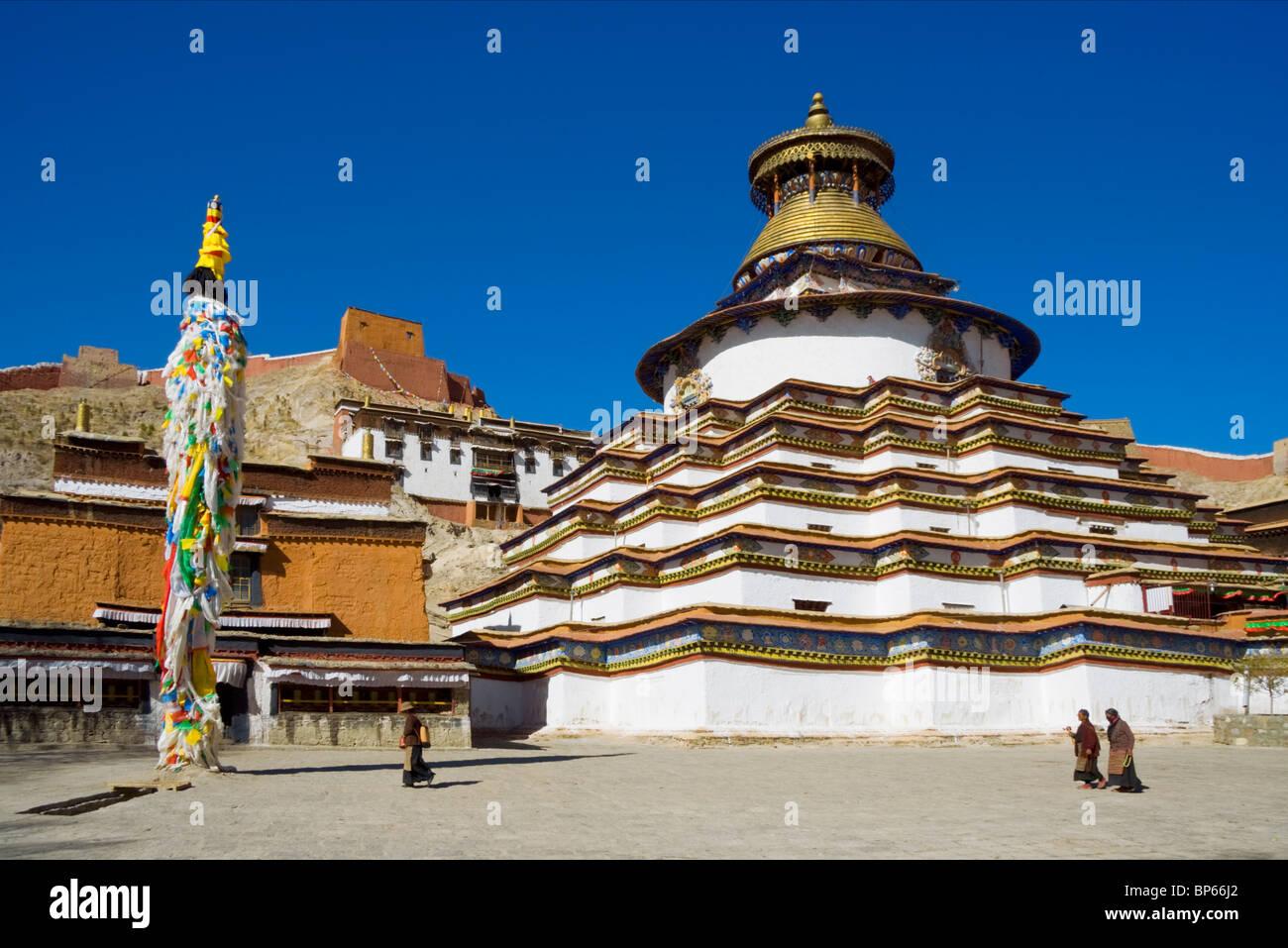 Pango Chorten/Gyantse Kumbum at Pelkor Chode Monastery in Gyantse, Tibet - Stock Image