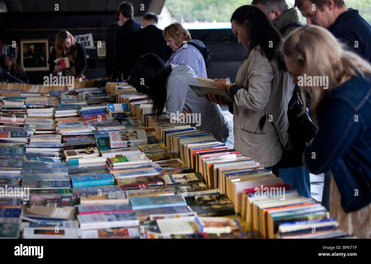 Secondhand paperback books for sale, Waterloo Bridge, London, England, UK - Stock Image