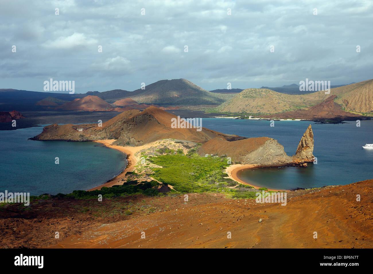 View of Bartolome Island with Pinnacle Rock, Galapagos. - Stock Image