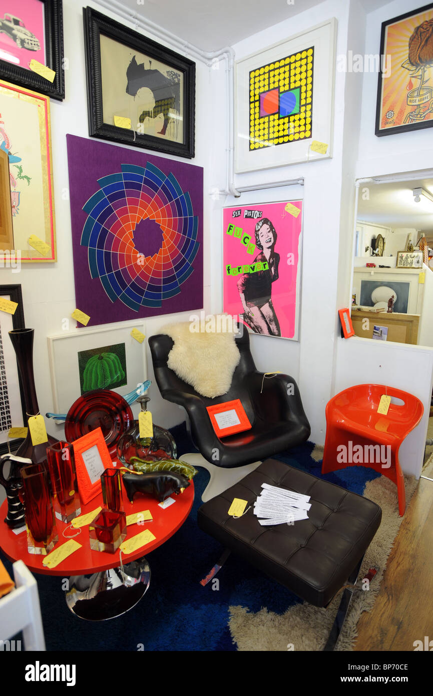 Modern Retro Antiques On Sale Inside A Shop In Kemp Town Brighton   Stock  Image