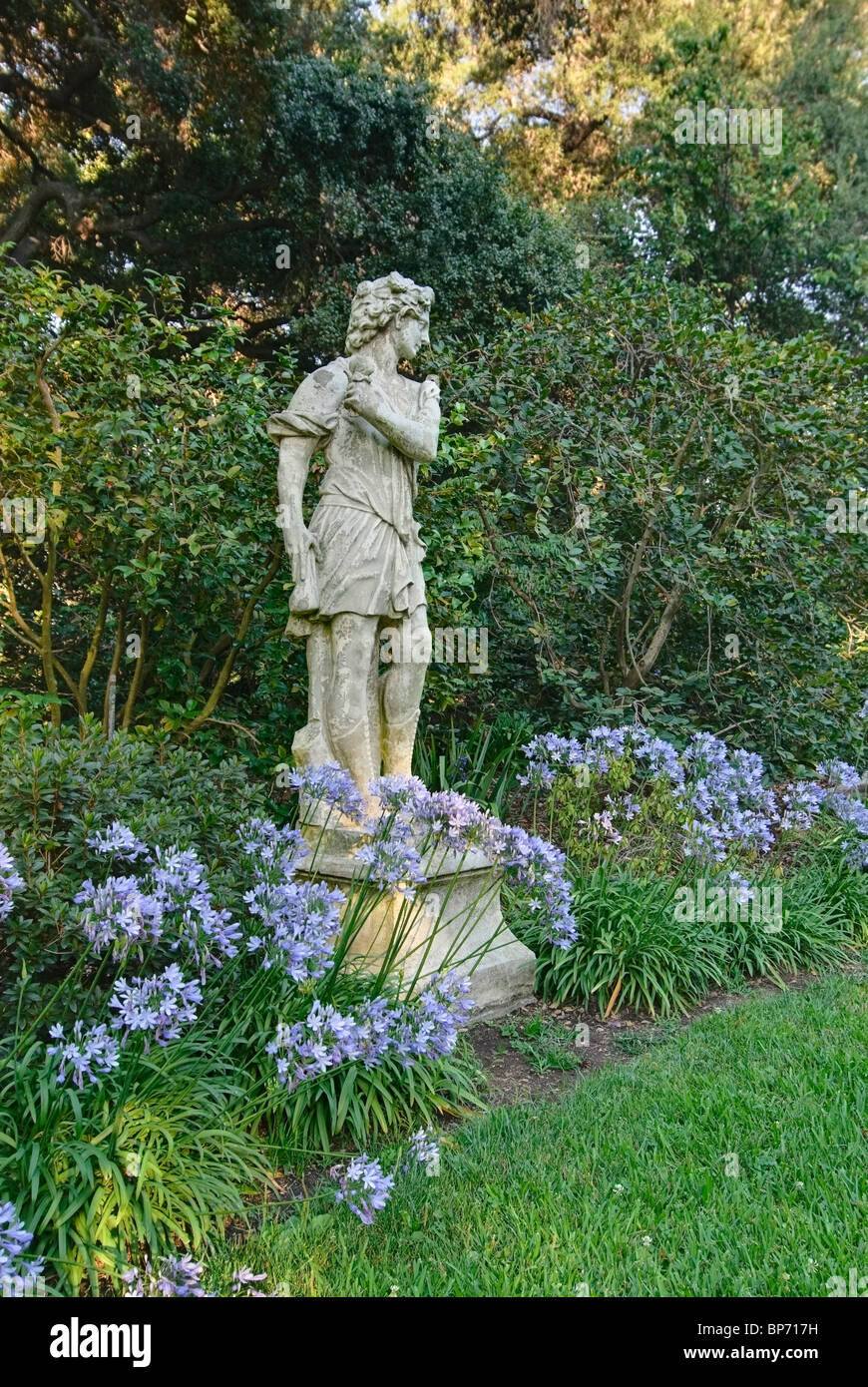 Statue at the North Vista Lawn of the Huntington Library and Botanical Gardens. - Stock Image