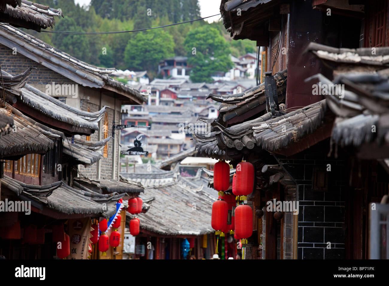 Rooftop eaves, old town, Lijiang, Yunnan Province, China - Stock Image