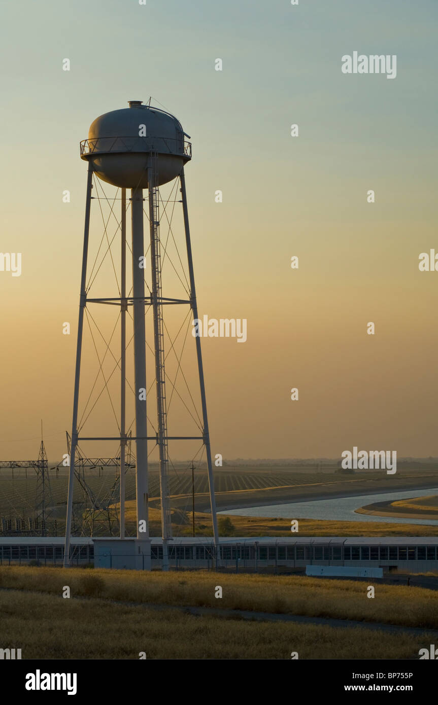 California Aqueduct And Water Storage Tower At Sunset In The Central  Valley, Near Los Banos