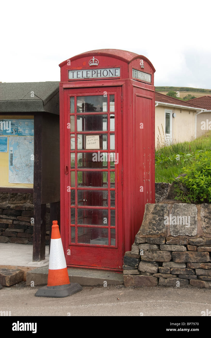 Disused Telephone kiosk - Stock Image